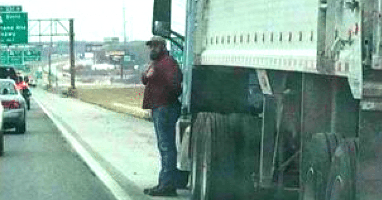 Army Veteran Stops, Salutes Passing Procession To Honor A True American Hero